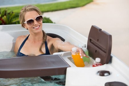 Cabana 2500 Folding Table and Ice Cooler